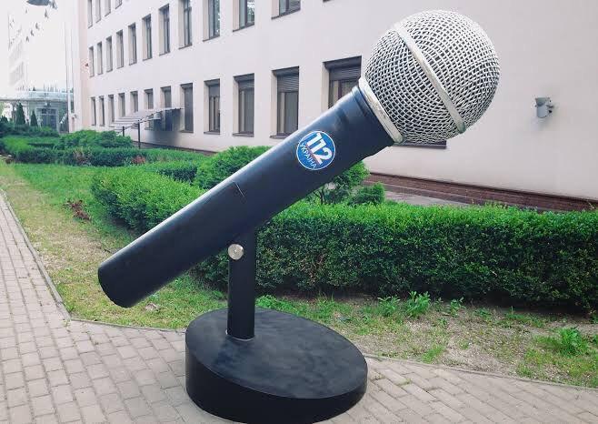 Зеленский ответил на обращение Медведчука: решил отобрать у собственника и передать Порошенко 112-й канал?