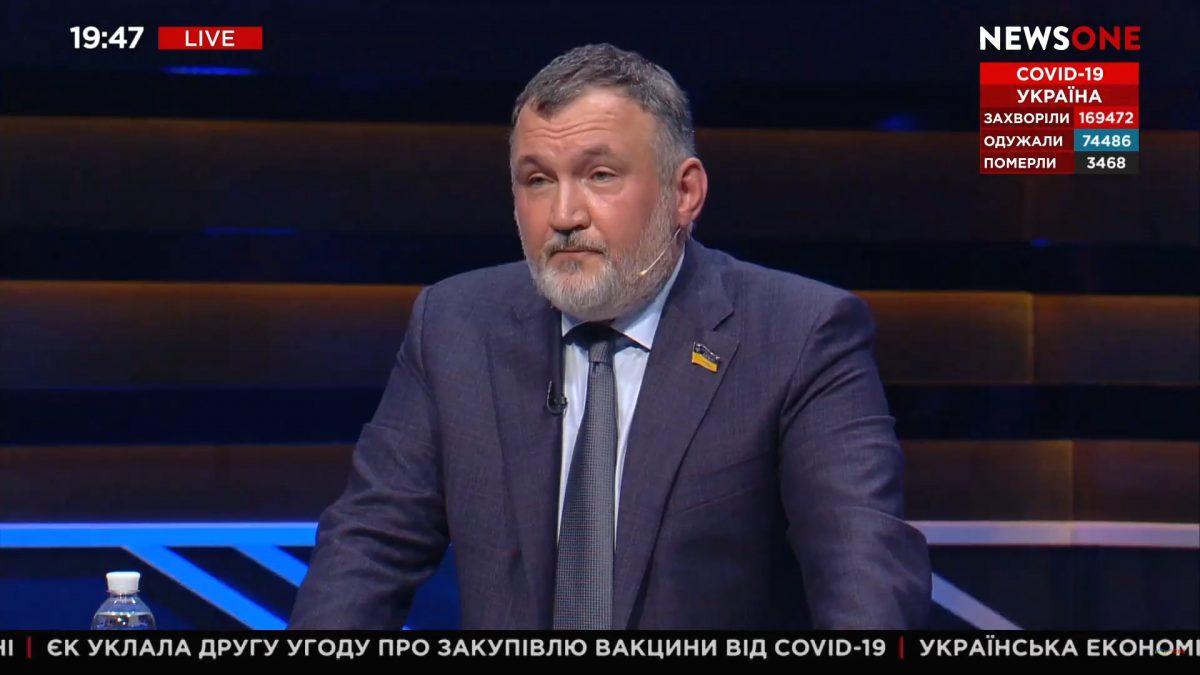 Мы должны избавится от внешнего управления. В противном случае Украину разорвут на несколько государств.